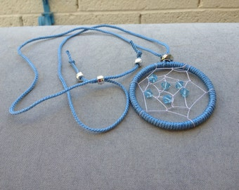 Macrame Dreamcatcher Necklace (Blue)