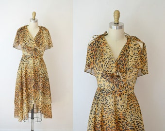 1970s Wrap Dress / 70s Animal Print Dress