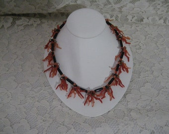 KITSCHY PLASTIC CORAL Necklace