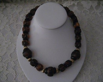 BEAUTIFUL AVON Faux AMBER Beaded  Necklace