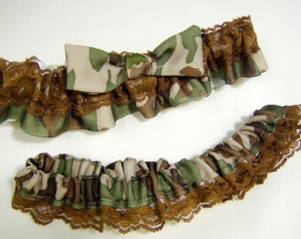 Camouflage and Lace Mossy Oak Army Wedding Garter Set