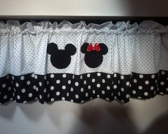 Mickey and Minnie valance