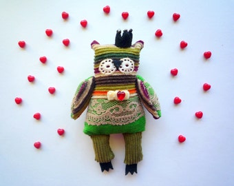 Basilic -  Little  tiny Prince  owl, soft art  toy creature  by Wassupbrothers.