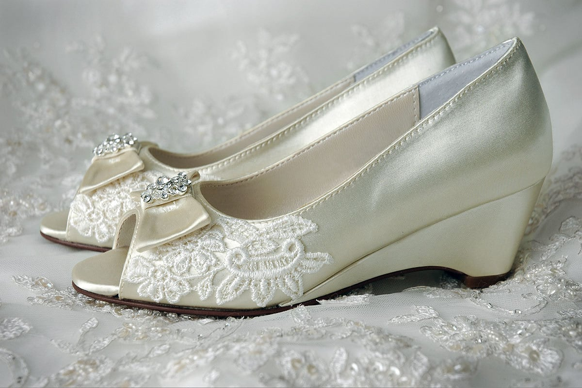 Wedding shoes flower girl shoes wedge pump shoes by pink2blue for Girls dress shoes for wedding