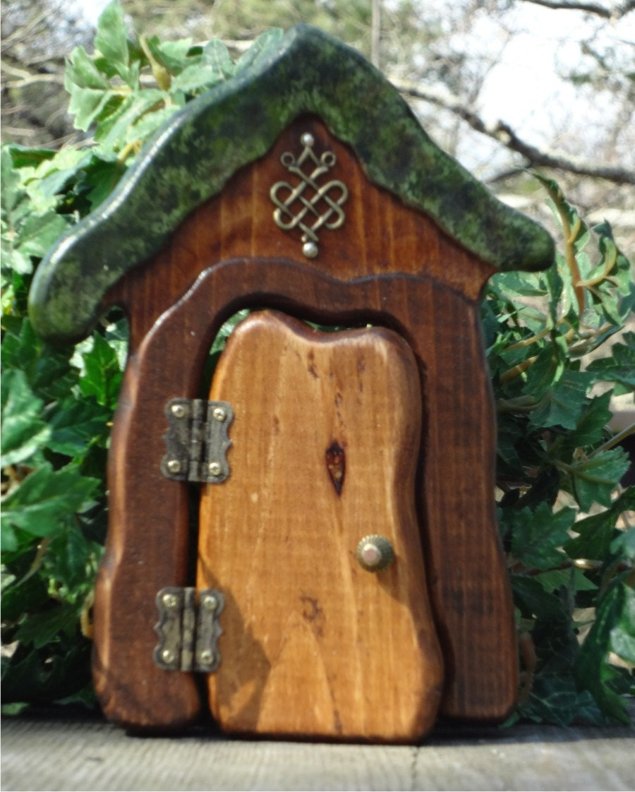 Opening happy hobbit fairy door by faekeepers on etsy for Wooden fairy doors