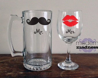 Mr and Mrs Glasses - Set of 2