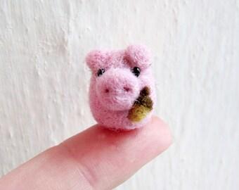 Tiny needle felted pig