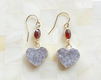 Gold Edge Sparkling Natural Agate Gray Druzy Drusy Heart Dangles & Garnet Vermeil Bezel Connector Earrings (E1220)