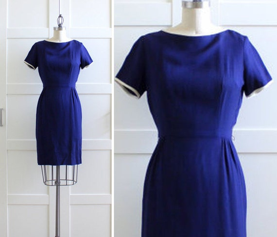 Vintage Wiggle Dress / Navy 50s dress / 1950s Wiggle Dress / Mad Med Dress / size Small