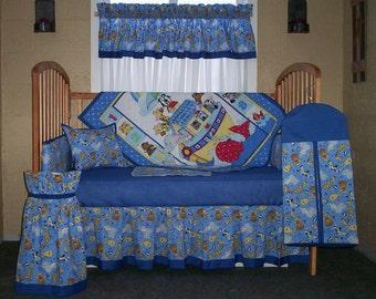 10 Piece Noah's Ark Print With Blue Horizon Accent Trim Baby Quilt Set, Nursery Set  Set 1