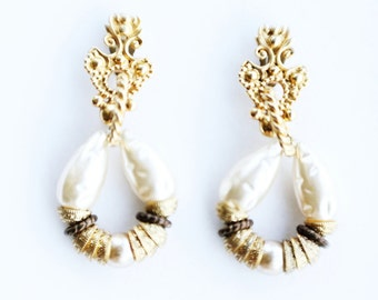 Vintage 80's Pearl and Gold Chandelier Earrings by Pinky Paris
