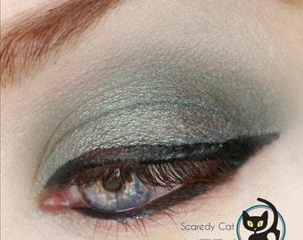 Duochrome Eye Shadow Green - Vegan - Loose Mineral Pigment Eyeshadow - Scaredy Cat - HERA