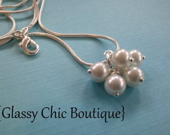 pearl cluster necklace...5 swarovski pearls dangle together on your choice of chain..arrives in a pretty organza bag