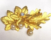Georgious Signed Oak Leaf with Acorn Dangles Hude Brooch