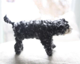 Poodle knitted in wool