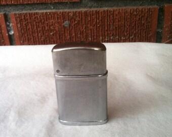 Vintage Silver Mastercraft Pipes Lighter