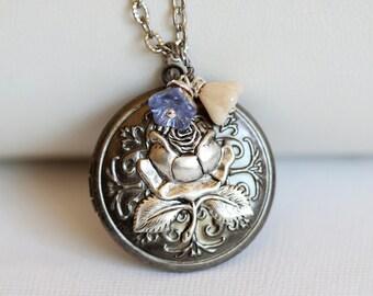 Locket,Rose Flower locket,Jewelry Gift, Silver Locket,filigree locket necklace,photo locket ,bridesmaid gift  locket - silver locket
