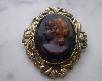 Cameo Like Pin or Pendent