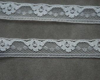 Vintage Lace Trim White Lace 4 3/4 yards (A19)