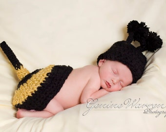 Crochet Bumble Bee set Hat and Tushy Topper