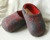 Hand felted slippers grey with blossoming hearts flowers decors, Valentine Day