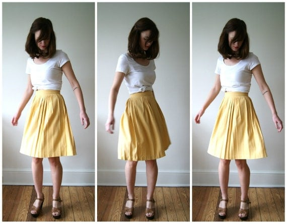 Vintage Skirt. 70s Yellow Pleated Skirt. High Waist Skirt.