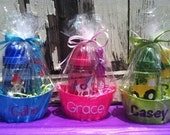 Kid's Fun Set- Personalized Water Bottle, Bubble Wand and Reusable Oval Tub- Great Party Favor