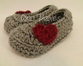 Infant Booties with Heart Applique Baby Shoes Crochet