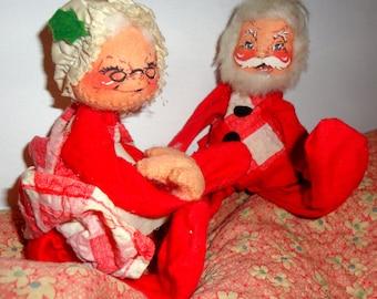 Vintage ANNALEE Santa Claus & Mrs Claus CHRISTMAS Couple
