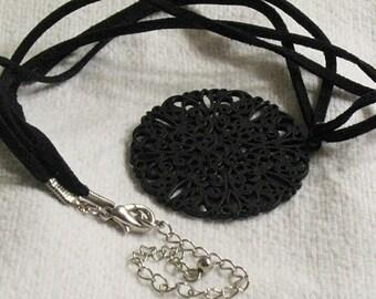 Black metal Filigree Necklace
