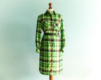 Vintage green day dress / shirtdress / green black white/ check checked / long sleeve / midi / medium