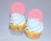 Sweet Pea scented Mini Bath Bomb Cupcakes infused with Rose Petals. Cute Party Favors. Fun Soap Bubble Body Frosting