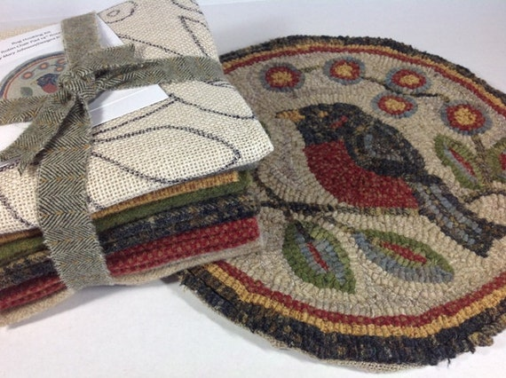 "Rug Hooking KIT for Red Robin Chair Pad or Table Mat 14"" Round, J637, Red Robin Primitive Rug Design"