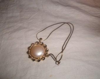 vintage necklace goldtone faux pearl monet