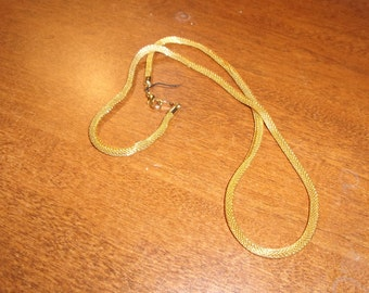 vintage necklace gold metal mesh