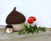 Felt acorn / owl and toadstool felted miniarures / Eco friendly toy / waldorf toy / nature table / felt play set