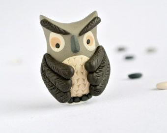 Wise Owl brooch - Handmade Woodland pin - Fun animal jewelry for men - Whimsical grey bird