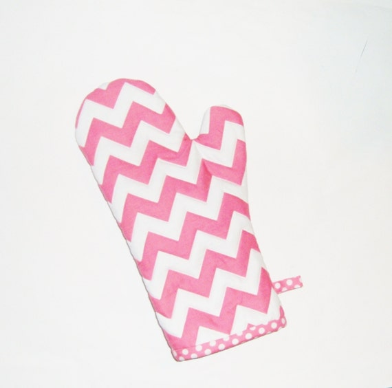 https://www.etsy.com/listing/124679613/oven-mitt-pink-chevron-and-polka-dots