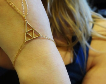 The L.O.Z. Intricate Wire Wrapped Triforce Inspired Bracelet