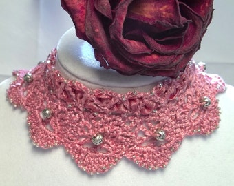 Rose Gothic Arch Lace Choker