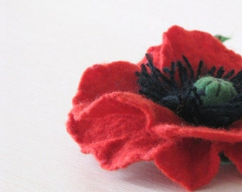 FREE SHIPPING. Felted wool flower Brooch - Red Poppy -Gift for mom. Gift for her. Gift under 25