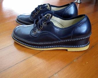 Sale! Navy Blue Vintage Vegan Wedge Oxford Shoes size 6