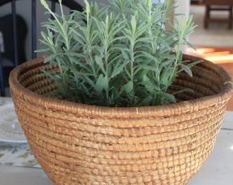 Vintage European Rye Basket - Primitive Woven Bread Basket - Easter