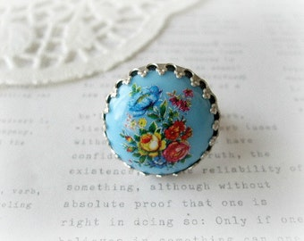 Round Blue Floral Limogue Ring