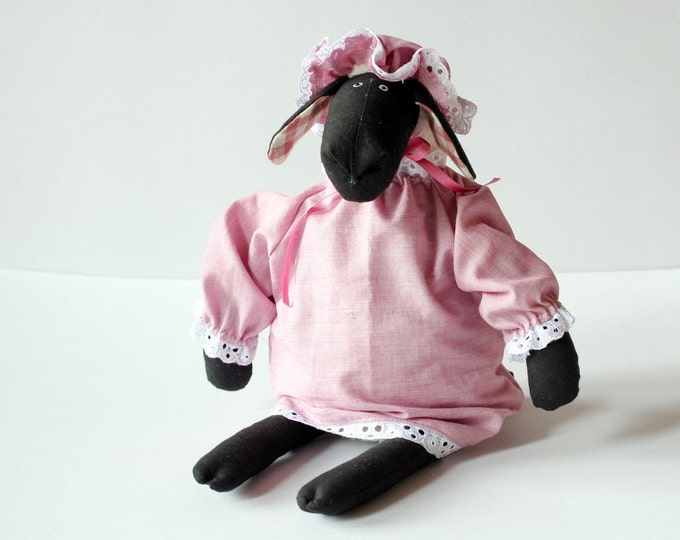 Granny Sheep, stuffed animal toy for children, Dressed Plush Toy, Soft Toy to sleep with