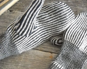 Vintage Scandinavian Wool Mittens Shabby Black and White