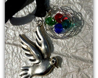 Mother's day. Gift. Mother bird and a nest necklace. Crystal eggs.