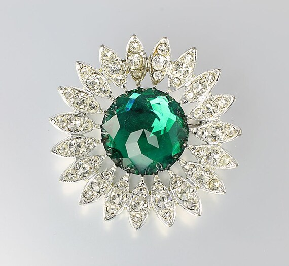 Sarah Coventry Kathleen brooch green rhinestone