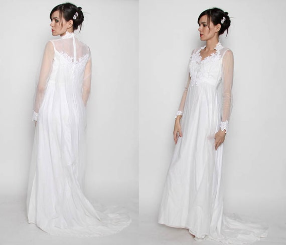Vintage 70s Long Sleeve Wedding Dress With Train / S