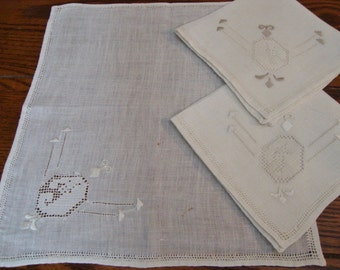 Linen Napkins Set of Three Hand Embroidery Vintage
